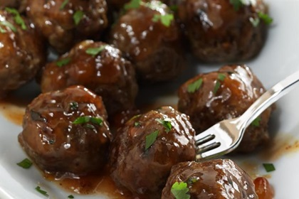 Cocktail Meatballs in Fruity Chutney Sauce