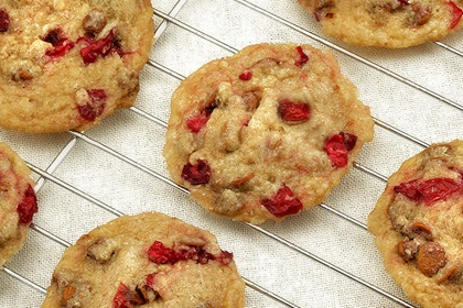 Cinnamon Cranberry Shortbread Cookies