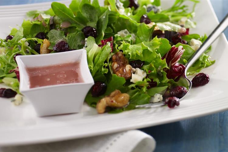 Blue Cheese and Baby Greens Salad